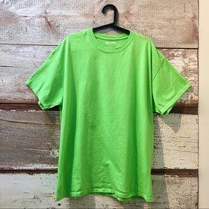 Gildan // NWOT lime green t-shirt